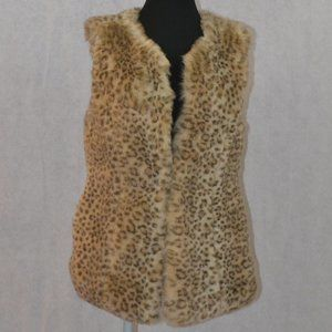 Forever 21 Faux Fur Snow Leopard Vest Size Medium